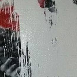 Vandali a San Giovanni Bianco Imbrattato murales contro lavoro minorile
