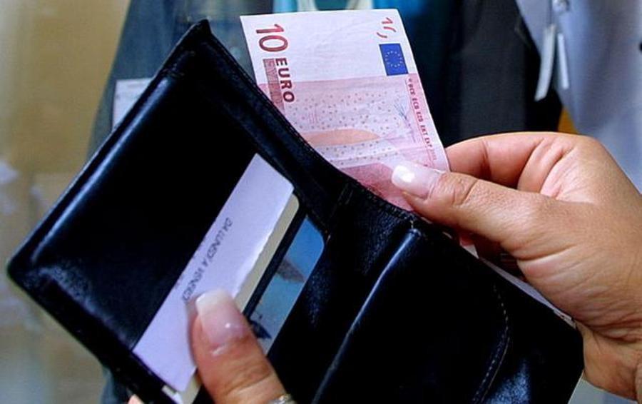 Trova e restituisce portafogli con 800 euro   «Non ho fatto nulla di speciale»