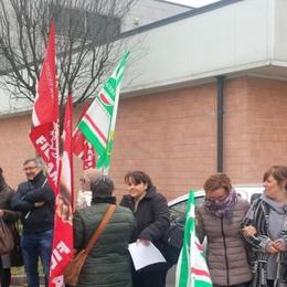 Treviglio, protesta personale delle mense «Ritardi nei pagamenti e tagli delle ferie»