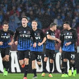 Atalanta «Caldarissima», 2 a 0 al Napoli  Champions a  -3 e niente vertigini