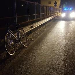 Strozza, investito da auto muore ciclista di 43 anni