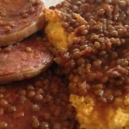 Zampone, lenticchie e polenta Un must non solo natalizio