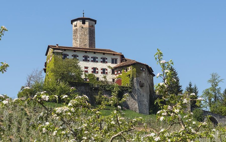 Battenti aperti a Castel Valer  La perla della Val di Non