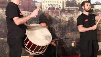 Al Quadriportico del Sentierone, spettacolo folcloristico con i gruppi