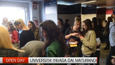 Invasione di maturandi per l'open day dell'università