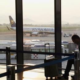Nebbia a Catania, salta volo da Orio Ryanair rimedia con tre autobus