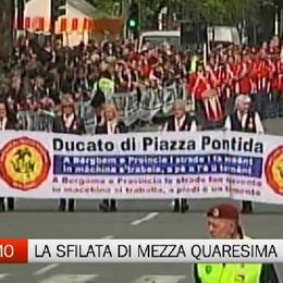 Bergamo, la sfilata dei carri di Mezza Quaresima