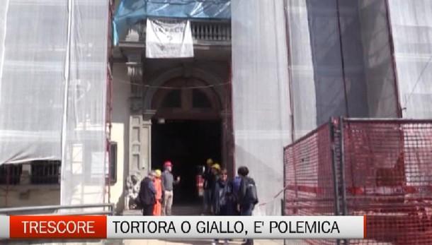 Trescore Balneario, polemica sul colore del Municipio
