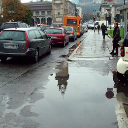 Traffico, mercoledì nero Tra pioggia e incidenti, città bloccata