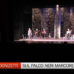 Il teatro-canzone impegnato di Neri Marcorè
