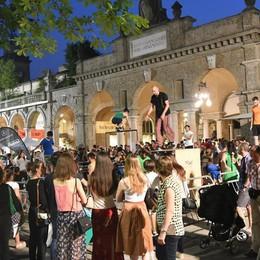 Bergamo una notte di sport - Foto e Video Il centro è una palestra al chiaro di luna