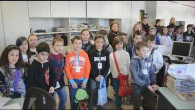Gli scolari delle elementari di Ghisalba a L'Eco di Bergamo