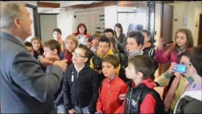 La scuola elementare di Misano in redazione a L'Eco di Bergamo