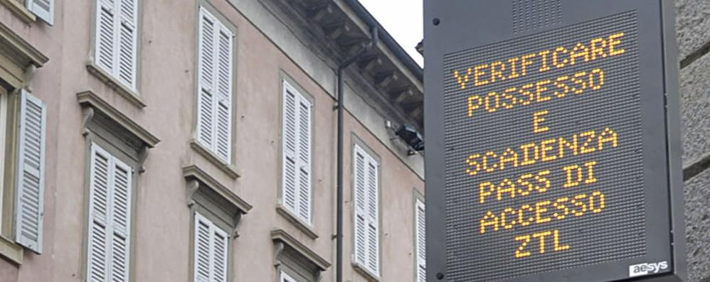 I finlandesi multati per le Ztl a Bergamo «E io da loro in un parcheggio vuoto»