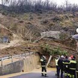 Berbenno, la frana non si ferma  Il fango contro le case: 19 sfollati