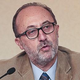 Lancio di uova contro Luigi Bresciani  Il segretario della Cgil ferito al labbro