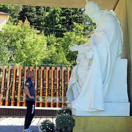 Colantuono a piedi a Sotto il Monte  Ringrazia e onora San Papa Giovanni