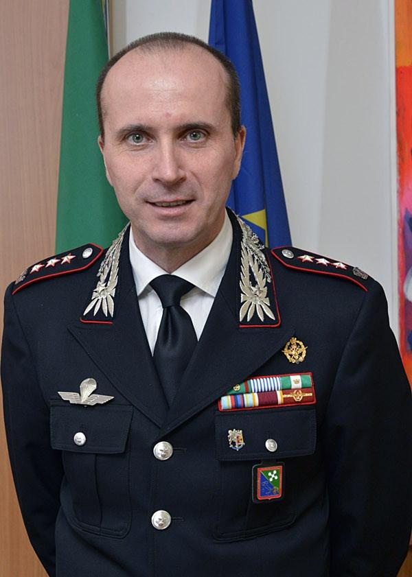 Carabinieri 200 anni di storia consegnati encomi e for 3 case di storia in california