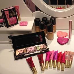 Makeup, tutte le novità  delle feste e tante idee regalo