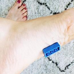 I mattoncini Lego ti distruggono i piedi? Una bella idea quella delle pantofole
