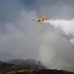 Spento l'incendio in alta Valle Seriana  Appello: no fuochi d'artificio e falò il 31