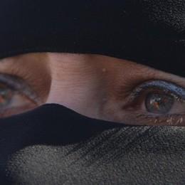 Donna accoltellata dal marito: «Mi ha colpito perchè senza velo»