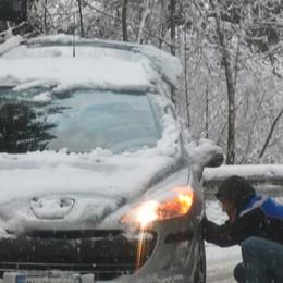 I volti della neve - Uomini e auto In valle meglio andare con le catene