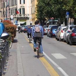 Bergamo, cresce l'uso delle due ruote Ogni giorno 16 mila spostamenti in bici