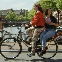 Amsterdam insolita inventato il «bici stop»