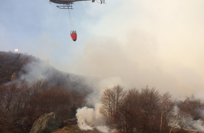 Elicottero Antincendio : Incendi in fumo ettari nel e il non