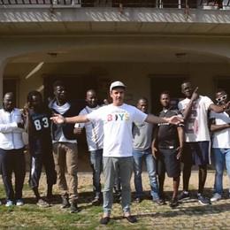 Cato, ecco il nuovo singolo - Video «African Boys» per i 25 anni della Ruah