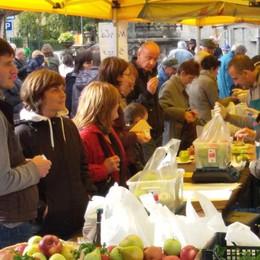 Pienone alla sagra della mela - Video L'Eco Café a Piazza Brembana