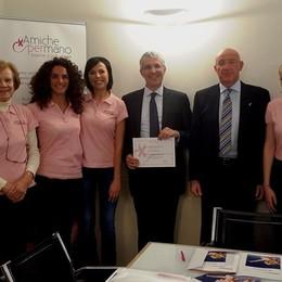 Aiutare le donne colpite dal cancro al seno A Bergamo ci sono le «Amiche per mano»