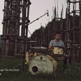I Led Zeppelin in soli 6 minuti? Alla batteria, con Lorenzo - Video