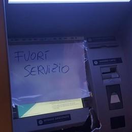 Fuggono dopo le prime picconate  Bariano, Fallisce colpo-bis al bancomat