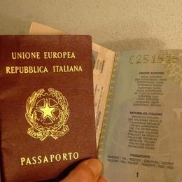 Ottenere il passaporto? Un'odissea «Impossibile prenotarsi online»