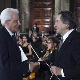 Mattarella a Bergamo per Muti Il Comune invita ad esporre il Tricolore