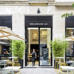 Pedrali sempre più fashion - foto Colore nel 1° Moleskine Cafè italiano