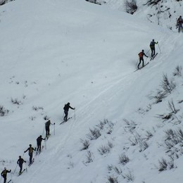 Sci alpinisti in gara a Lizzola nel ricordo di Mario Merelli