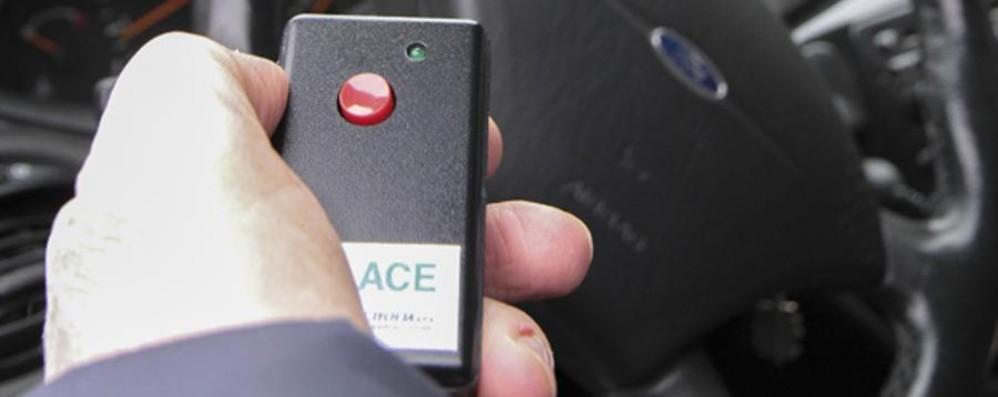 Furbetti invadono i parcheggi dei disabili? Li scova un dispositivo made in Bg - Video