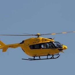 Investita una donna Canonica d'Adda In azione l'elicottero per i soccorsi