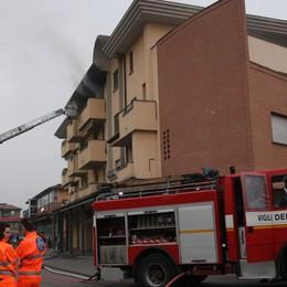 Appartamento in fiamme a Madone L'incendio appiccato dopo una lite