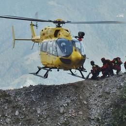 Sorpreso dal temporale in  Val Brembana Giovane scivola per 150 metri e muore