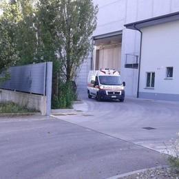 Cade mentre sta lavorando in cantiere Grave operaio 52enne a Comun Nuovo