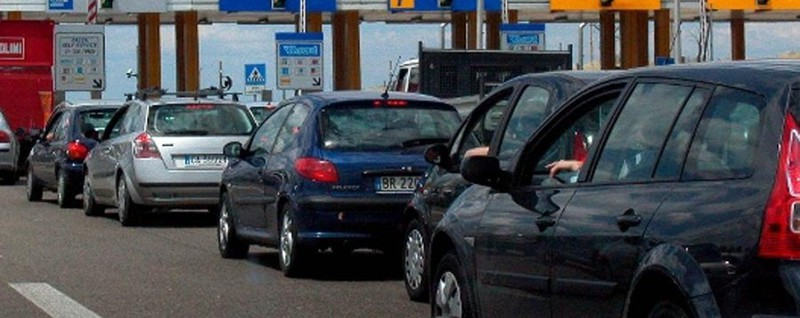 Quanto costa mantenere una macchina 4 mila euro la spesa for Quanto costa un garage per una macchina