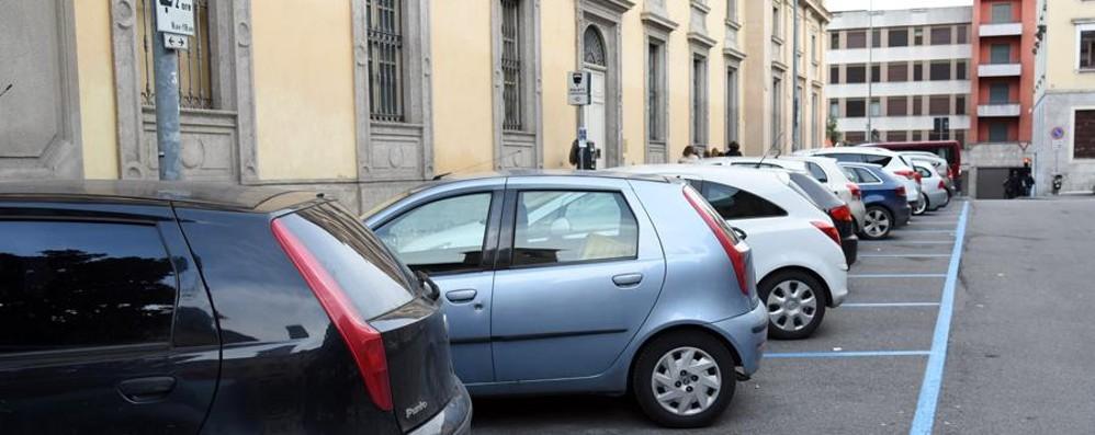 Referendum contro il piano sosta A Bergamo via alla raccolta firme