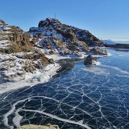 Lo spettacolo dei laghi di Valgoglio -Video Scricchiolii e disegni sul ghiaccio