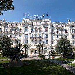 San Valentino e arie felliniane  al Grand Hotel di Rimini