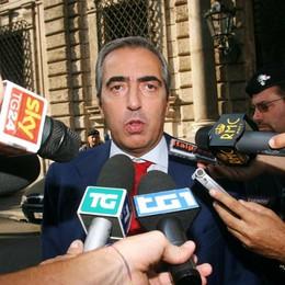 Reality «Il Collegio», Gasparri  contro Gori Il sindaco risponde #nondicasciocchezze