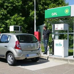 Auto, tornano gli eco-incentivi per mettere impianti gpl e metano